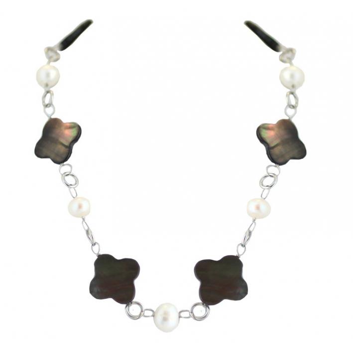 Collier alternance trèfles noirs et perles baroques blanches