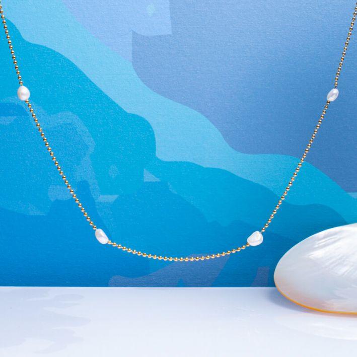 Collier petites perles de culture blanches sur fine chaîne