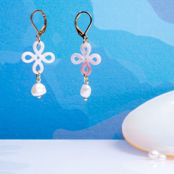 Boucles d'oreilles Brandebourg et perle de culture blanche