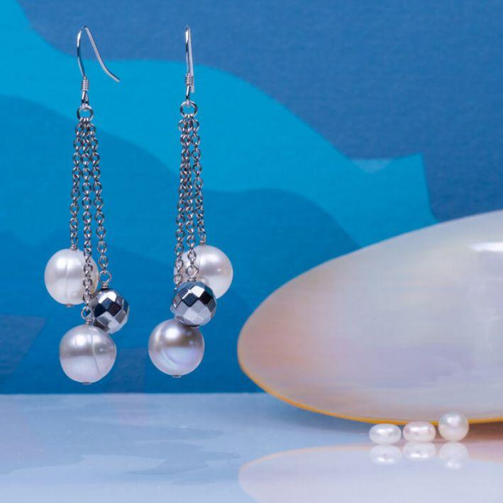 Boucles d'oreilles perles de culture blanches et argentées et hématite facettée