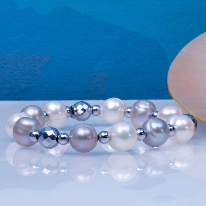 Bracelet perles de culture blanches et argentées avec hématites