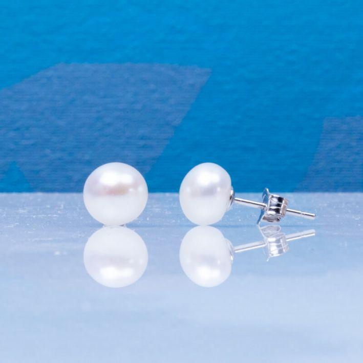 Boucles d'oreilles puces perles de culture blanches sur argent massif