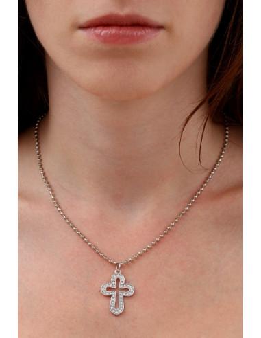 Collier pendentif croix latine en pavage de cristal blanc