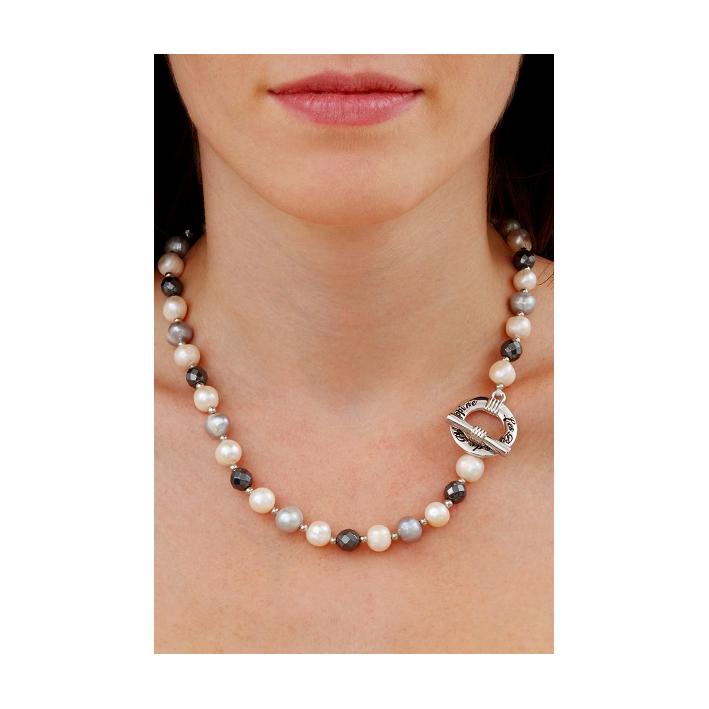 Collier Prestige alliance de belles perles de culture et de perles en hématite facettée