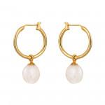 Boucles d'oreilles créoles dorées et perle de culture blanche