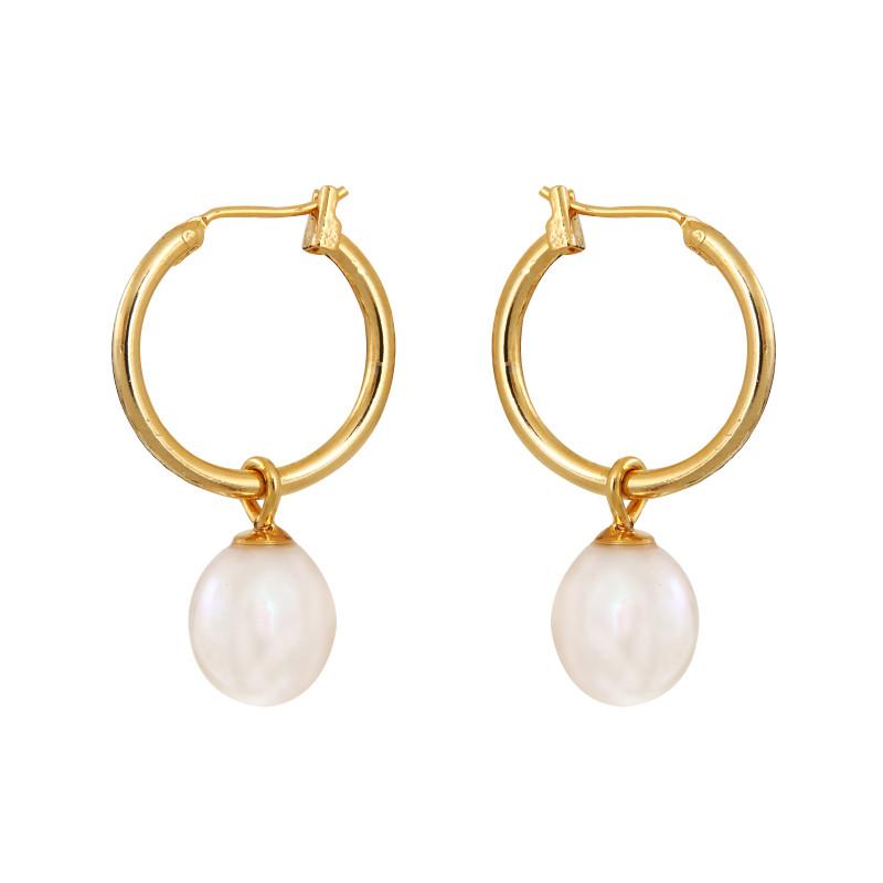 boucles d 39 oreilles cr oles dor es et perle de culture blanche. Black Bedroom Furniture Sets. Home Design Ideas