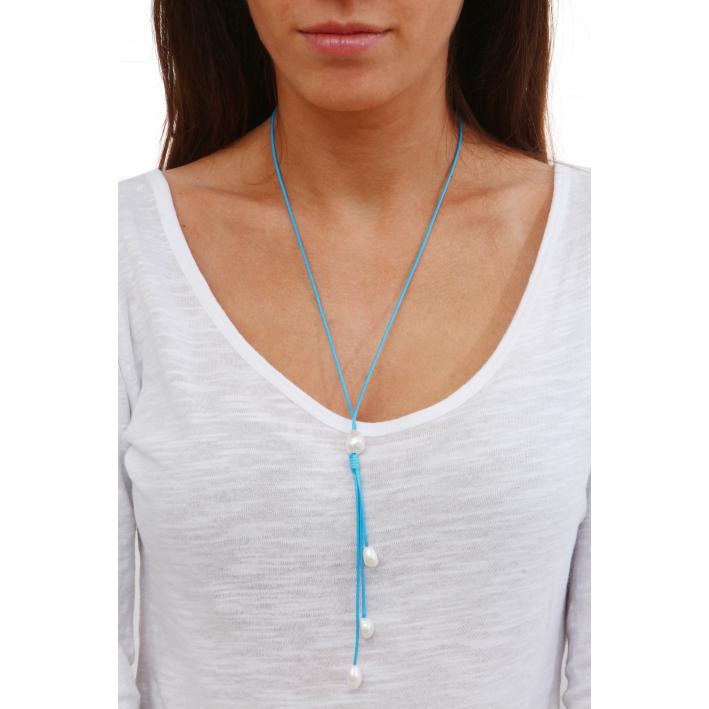 Collier Cravate perles baroques blanches sur cordon bleu