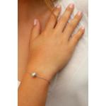 Bracelet une perle de culture argentée sur chaîne argentée