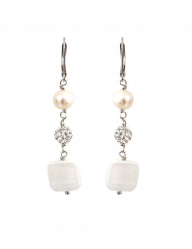 Boucles d'oreilles perles de culture et carrés de nacre blanche