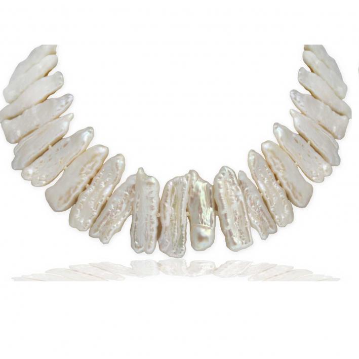 Collier  perles de culture rares blanches forme biwa
