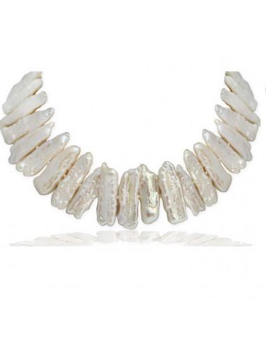 Collier perles de culture blanches forme Biwa