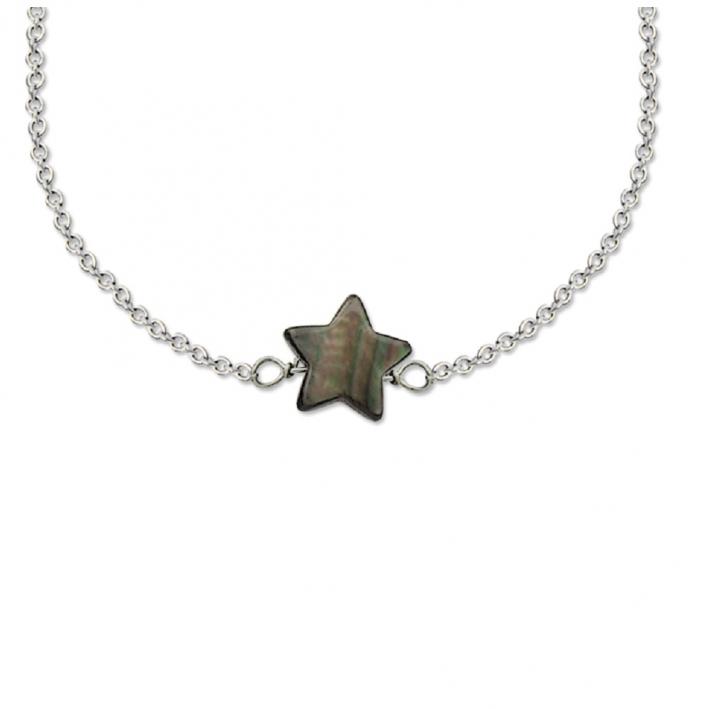 Collier une étoile nacre noire sur chaîne argentée