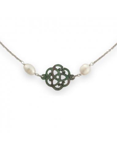 Collier filigrane de nacre noire naturelle et perles