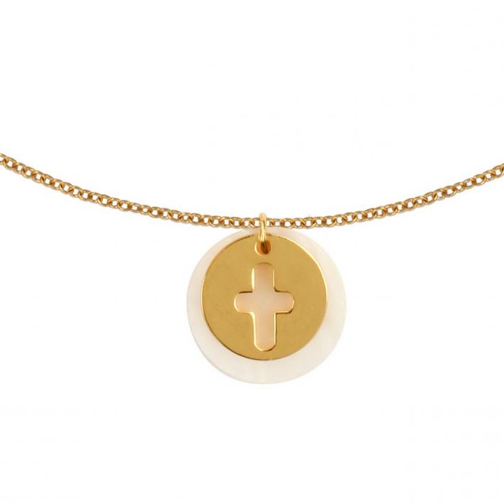 Collier médaille nacre et silhouette croix en plaqué or