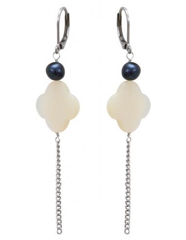 Boucles d'oreilles trèfles de nacre blanche et perles noires