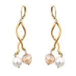 Boucles d'oreilles tubes dorés harmonie de perles de cristal et de perles de nacre