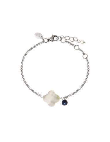 Bracelet nacre blanche naturelle en trèfle et perle de breloque noire