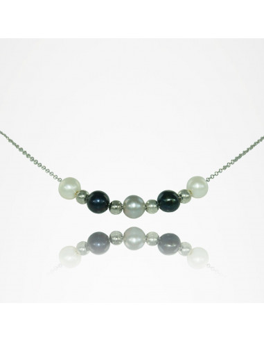 Collier perles noires, grises et blanches sur chaîne en métal argenté