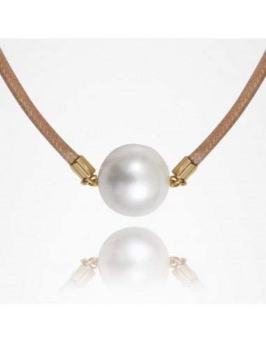 Collier perle de nacre blanche sur cordon coton sable