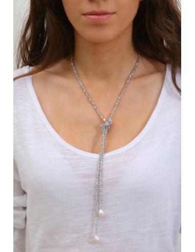 Sautoir perles scintillantes argentées et perles blanches