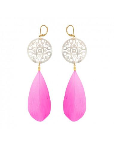 Boucles d'oreilles trèfle filigrané nacre blanche et plume rose