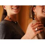 Collier duo perles de nacre noires et argentées sur cordon gris