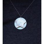 Collier pendentif étoile nacre sur métal argenté