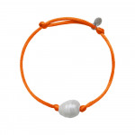 Bracelet une perle sur cordon satiné orange