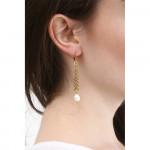 Boucles d'oreilles longues lauriers dorés et perles blanches