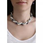 Collier double rangs perles de nacre en camaïeu de bleu, gris perle et blanc