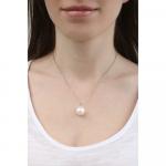 Collier une perle de nacre blanche sur chaîne
