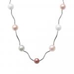 Sautoir perles de nacre camaïeu de roses sur tubes métal ciselé