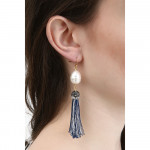 Boucles d'oreilles longues pompons argentés, strass et perles
