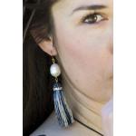 Boucles d'oreilles longues pompons argentés et strass