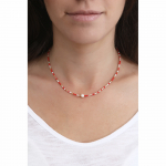 Collier perles de rocailles rouges et perle blanche