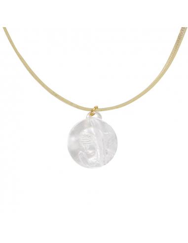 Collier médaille vierge de profil en nacre irisée sur cordon doré