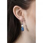 Boucles d'oreilles bleues perles hématite nacre et goutte cristal