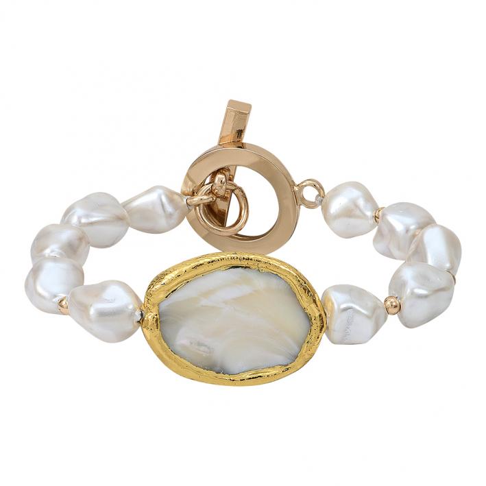 Bracelet médaille et perles de nacre blanche sur doré