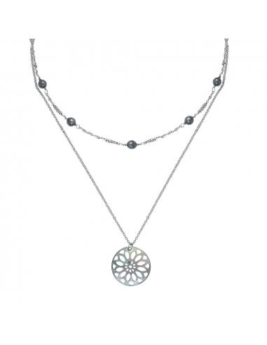 Collier double rangs perles du culture et médaille nacre noire