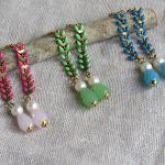 Boucles d'oreilles longues lauriers vert anis et perles