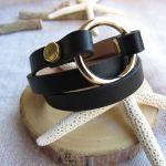 Bracelet triple rangs cuir noir et anneau acier doré