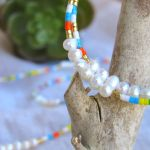 Créoles perles de rocaille multico jaunes et petites perles