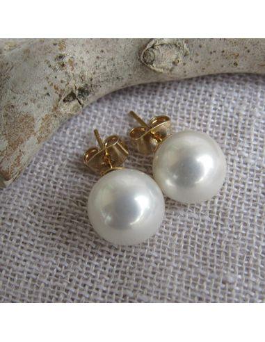 Boucles d'oreilles puces blanches en nacre naturelle et métal doré