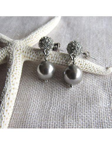Boucles d'oreilles shamballas et perles nacre argentées