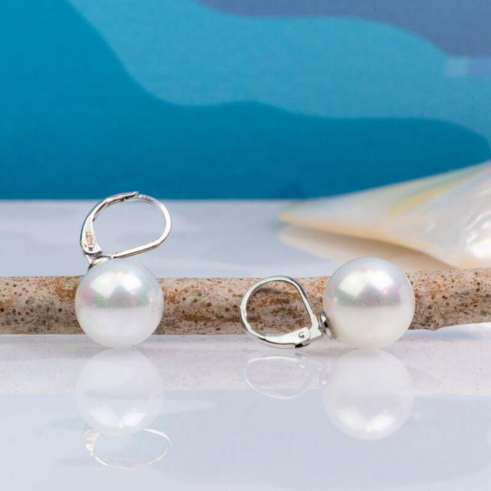 Boucles d'oreilles dormeuses perles de nacre blanche