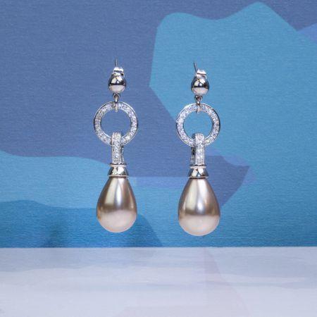 Boucles d'oreilles perles de nacre goutte couleur champagne