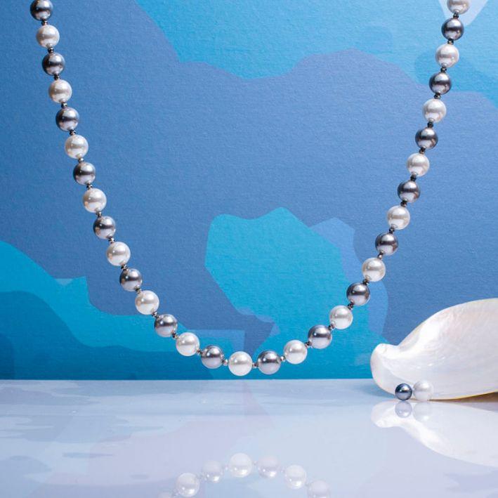 Collier duo de perles de nacre et fermoir shamballa