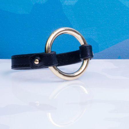 Bracelet cuir noir et anneau en acier doré