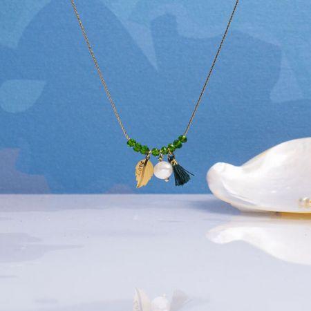 Collier perles cristal vert jade et pampilles sur acier doré