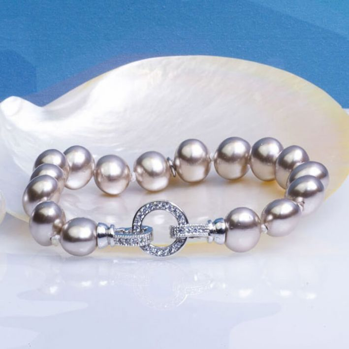 Bracelet perles de nacre baroques couleur champagne